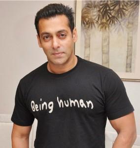 Salman Khan dupa transplantul de par din Dubai