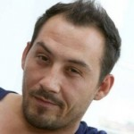 "Dupa Dinu Maxer, o alta vedeta si-a facut implant de par: Stefan Stan de la ""Vocea Romaniei"""